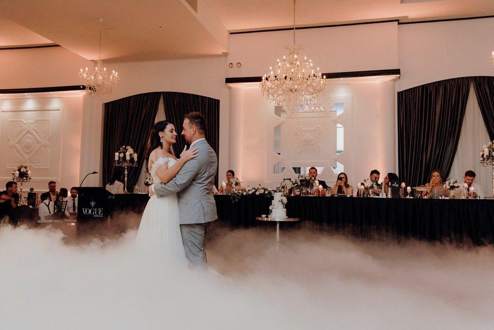 Vogue Ballroom Gardens Wedding Photos Vogue Ballroom Receptions Wedding Photographer Photography 083