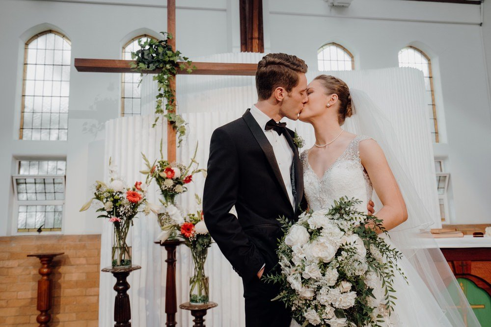 The Savoy Hotel Wedding Photos The Savoy Hotel Wedding Photographer Wedding Photography Package Melbourne 210430 018