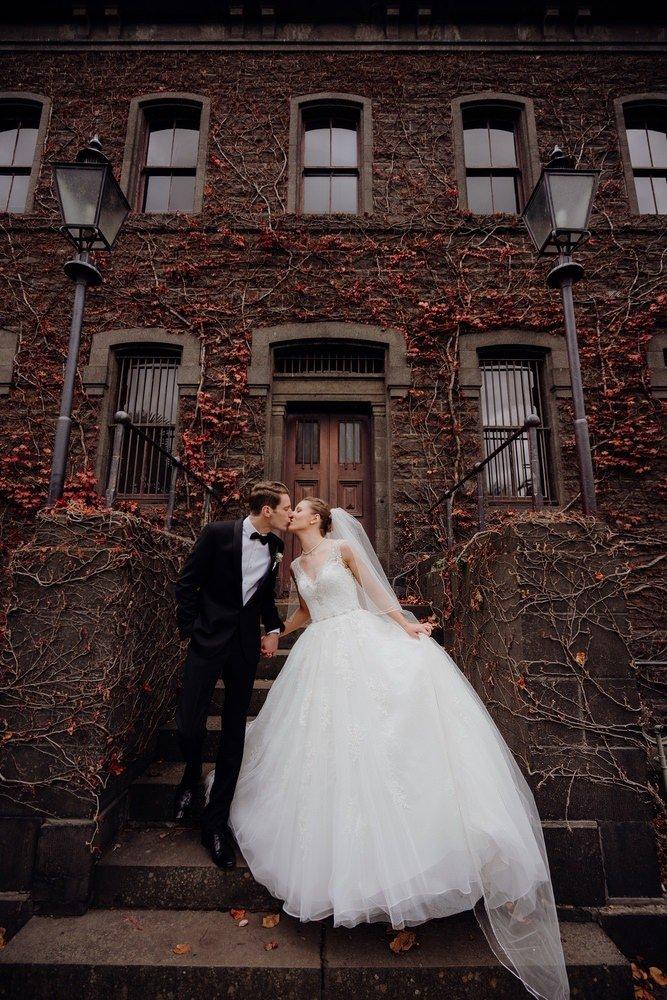 The Savoy Hotel Wedding Photos The Savoy Hotel Wedding Photographer Wedding Photography Package Melbourne 210430 025